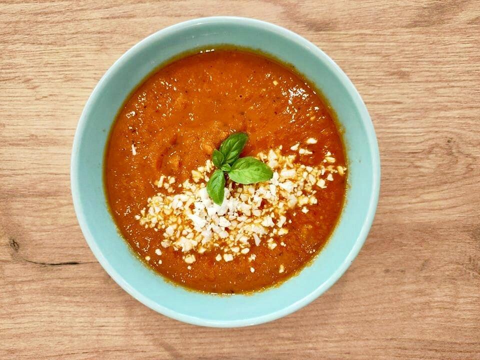 Krem pomidorowo - paprykowy - Restauracja Krosno Wegańskie